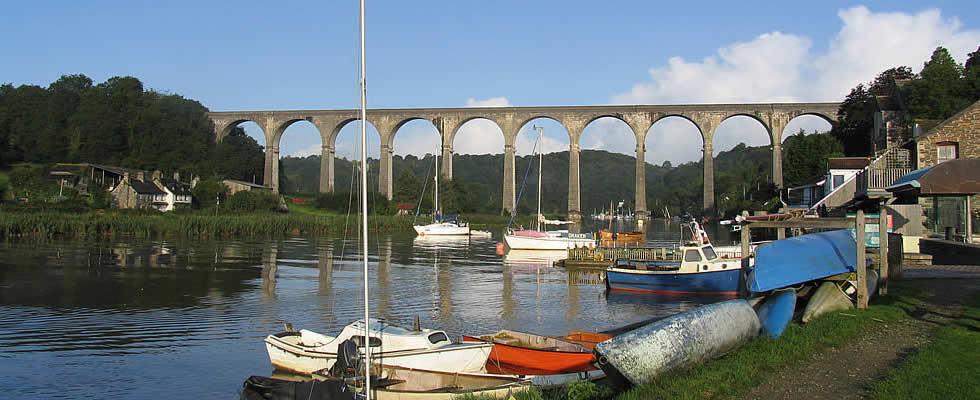Calstock on the River Tamar is well worth a visit with Cotehele just further upstream also not to be missed.