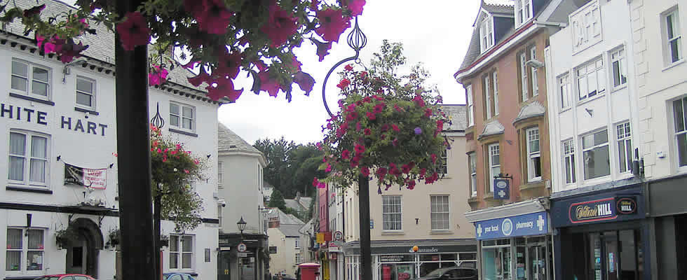 Search for hotel rooms in Launceston Cornwall