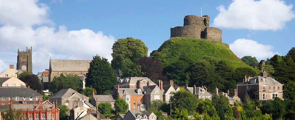 The ruins of the Norman Castle dominate the skyline above Launceston